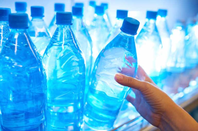 Plus adapté Devrait-on se méfier de l'eau en bouteille plastique? - Planete sante NZ-33