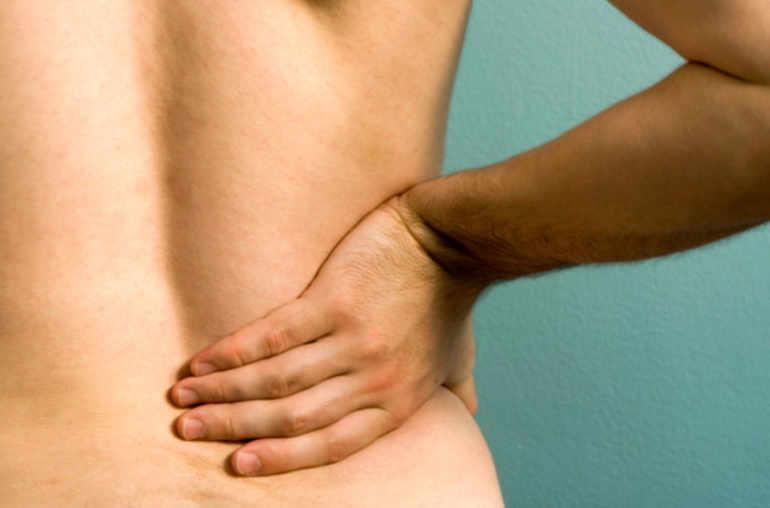 Fait mal le dos dans le domaine des omoplates pourquoi