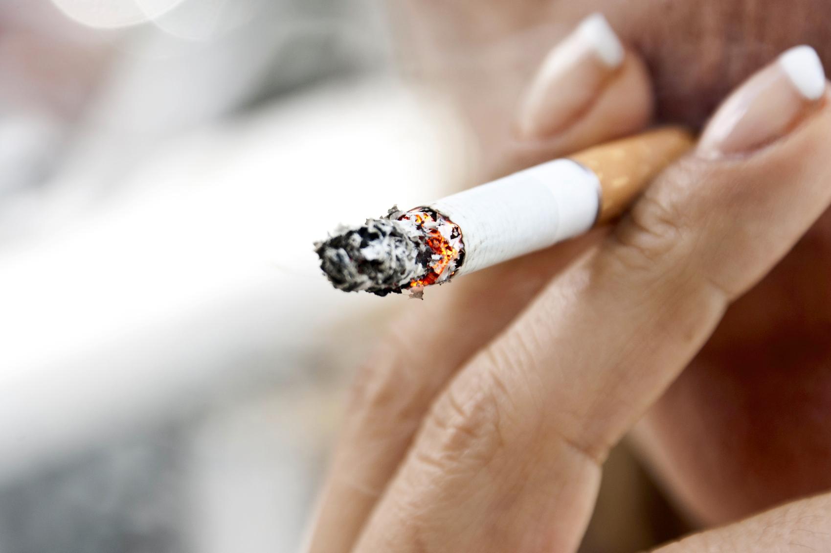 Maladies de l'intestin: l'effet paradoxal du tabac - Planete sante